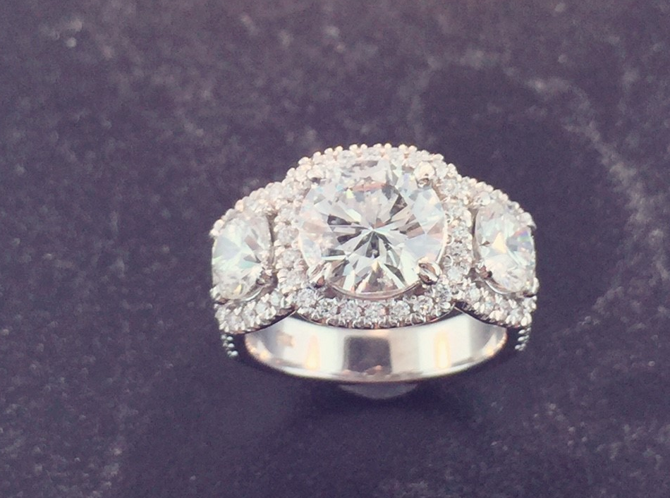 Custom Engagement ring Close Up