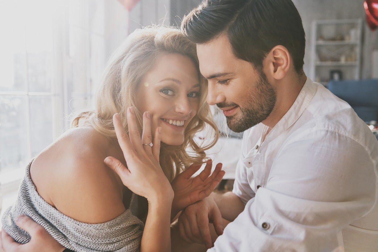 Hidden Details to Look for When Shopping for an Engagement Ring